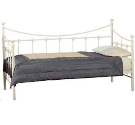 Single bed and mattress/daybed
