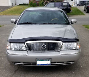 Low 126,000 K.M.'s Excellent Condition Luxury 2004 Grand Marquis