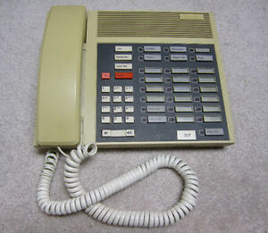 Northern Telecom Vantage esprit Phone System w/5 Phones