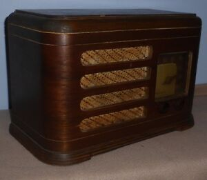 Radio  AM  seulement    vintage antique retro art deco