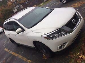 Nissan Pathfinder Platinum GARANTIE jusqu'à 160 000 KM