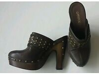 Women's shoes size 7 brown brand new with stickers on