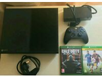 Microsoft Xbox One 500gb and 5 games