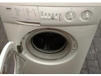 Washing machine zanussi in mint condition.