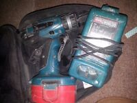Makita charger DC1804T and combo drill 8391D, one battery
