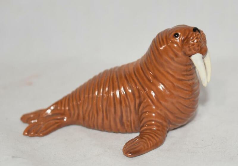 Hagen Renaker Brazel Loza Walrus Figurine