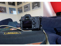 NIKON D300 - GREAT CONDITION