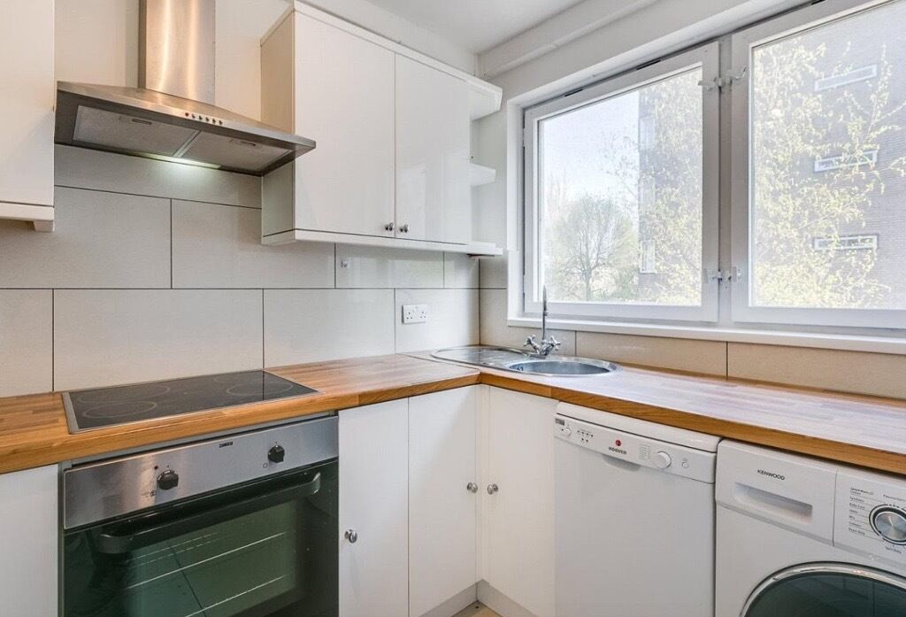 A lovely 2 bedroom flat to Rent in Central London   Hyde Park for   485 per  weekA lovely 2 bedroom flat to Rent in Central London   Hyde Park for  . 2 Bedroom Flats For Rent In Central London. Home Design Ideas