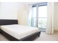 MOVE IN FOR CHRISTMAS - A Two Double Bedroom Apartment With Stunning Views Overlooking The Thames