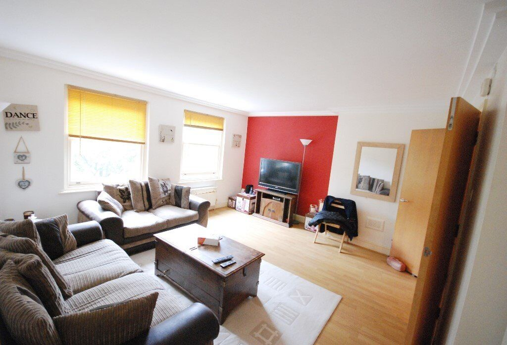 COUNCIL TAX INCLUDED - TWO BED FLAT - FINCHLEY ROAD - COMMUNAL GARDEN