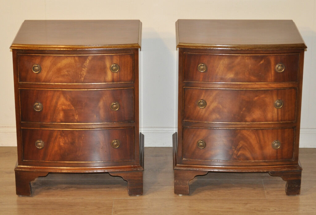 Small Pair Of Reprodux Bevan Funnell Mahogany Chest Of