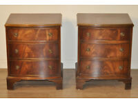 Small Pair of Reprodux Bevan Funnell Mahogany Chest of Drawers, Bedside Cabinets