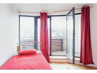 Single bed in 3 rooms flat at Copenhagen pl Street in London - Room 1 (Ref. SF001997)
