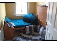 ASAP: lovely room 400pcm Wimbledon/Raynes Park