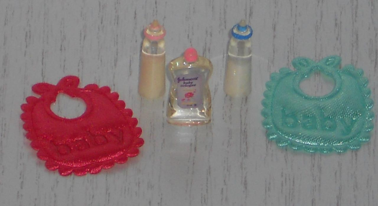 Baby-Artikel-Set 5 tlg.,Maßstab 1:12, Miniatur f.d. Puppenstube/Puppenhaus  #15#