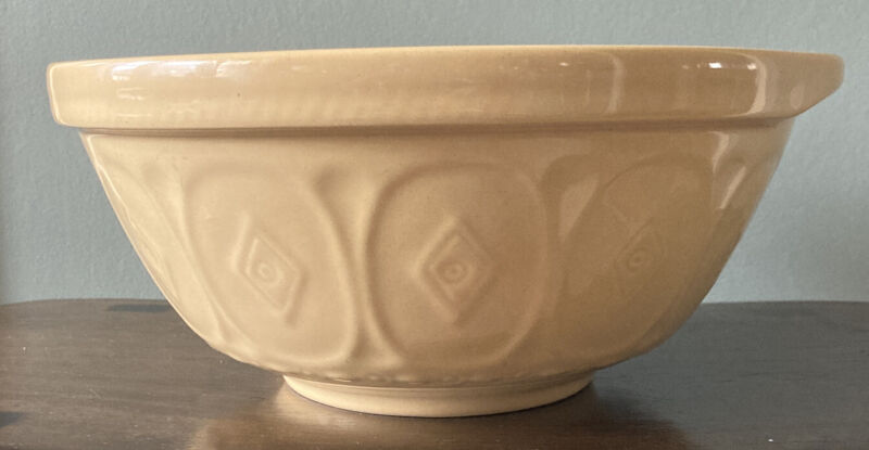 Vintage Yellow Mixing Bowl Cloverleaf Stoneware Pottery made in England 120 oz.