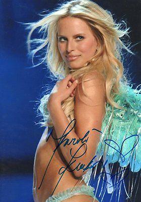 Karolina Kurkova Autogramm signed 20x30 cm Bild