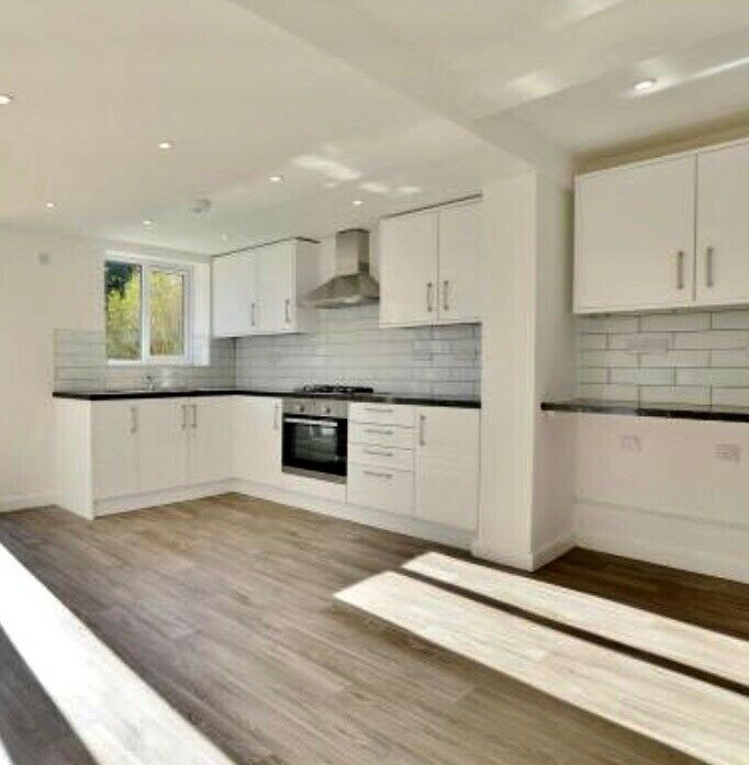 3 Bedroom House with Garden   in Slough, Berkshire   Gumtree on house and garden beds, house and garden magazine, house and garden kitchens,