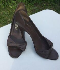 Ladies Shoes (Roland Cartier)