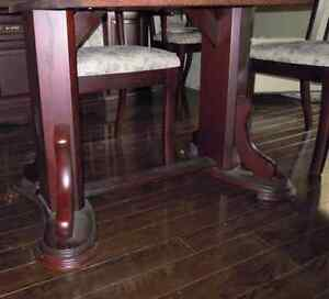 REDUCED - 8-piece solid cherry dining set Kitchener / Waterloo Kitchener Area image 8