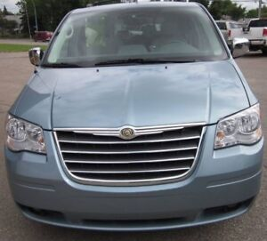 2008 Chrysler Town & Country Touring Minivan