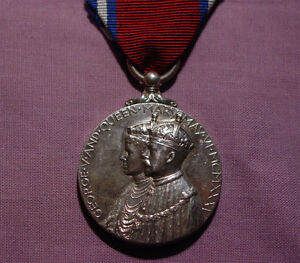 1935 OFFICIAL KING GEORGE V SILVER JUBILEE MEDAL