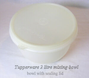 Tupperware Mixing Bowl with sealing lid, 2 litres