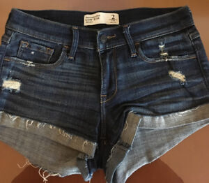 ABERCROMBIE & FITCH 6 WOMEN SHORTS