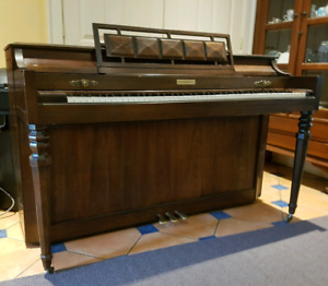 FREE Baldwin Acrosonic Spinet Piano - LIGHT & COMPACT