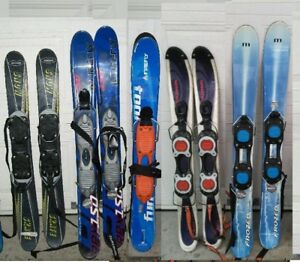 5      pairs mini    skis               / snowblades