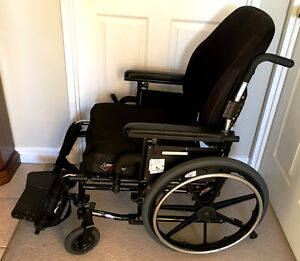Used Patriot Wheelchair 18 x 18   Excellent Condition & Manual