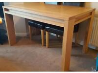 GENUINE OAK EXTENDABLE DINING TABLE