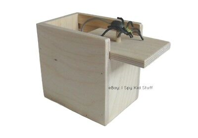Amish Wooden Prank Spider Scare Box  Home Office Funny Practical Joke Gag Gift