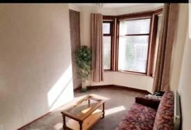 (4 Bed) Four Bedroom House To Let / Rent - BD8 / Manningham