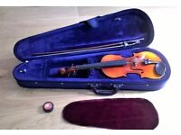 3/4 Size Intermusic Violin with Case, Bow and Rosin Excellent Condition