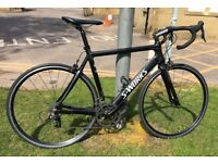 """Road bike """"full carbon"""" size M/L 20 Gears very light great condition"""