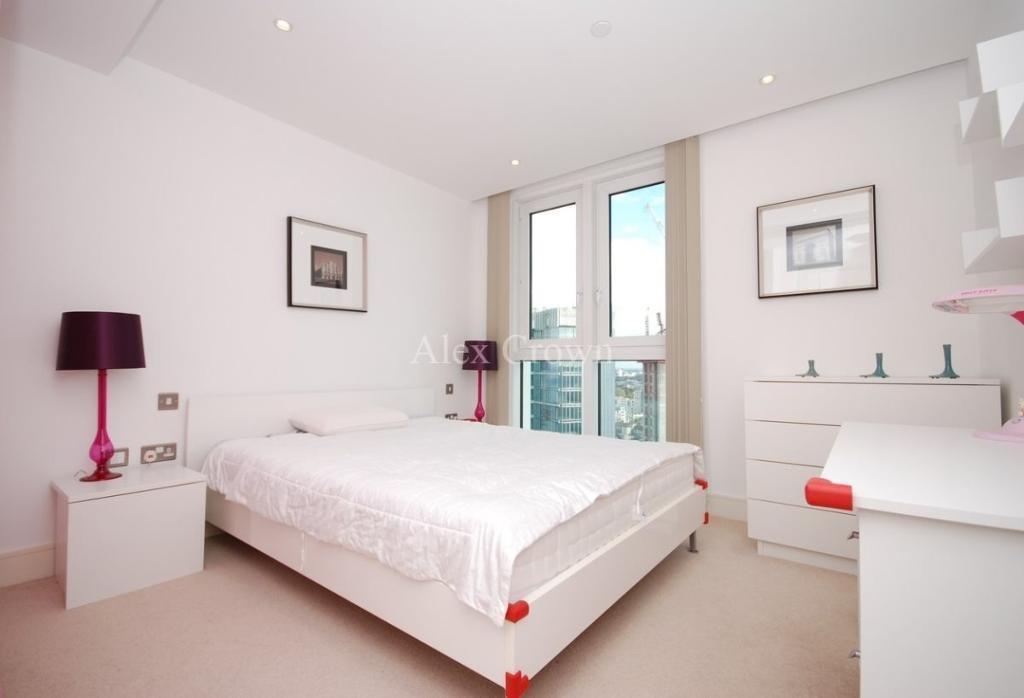 1 bedroom flat in Stratosphere Tower, Stratford