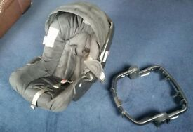 Graco Logico baby car seat/carrier with adapter ring