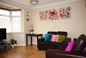 1 Bedroom Flat Kenton Harrow Middlesex Off Street Parking