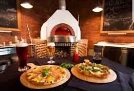 Wanted, waiter, waitress, pizza chef, pot wash/ cameriere, cameriera, pizzaiolo, Lavapiatti