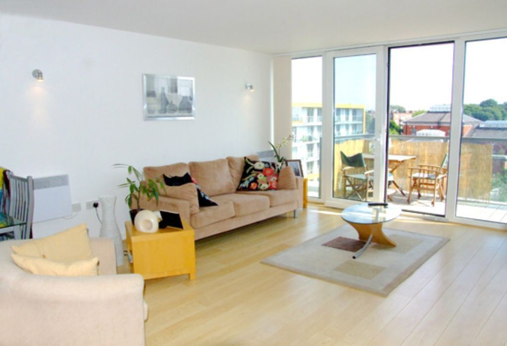1 bedroom flat in Blake Apartments With Parking, New River Avenue, Crouch End, N8