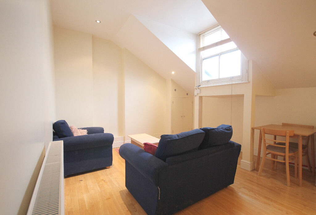 Lovely 1 Double Bedroom Flat in the Heart of Seven Sisters Very close to Finsbury Park Tube Station