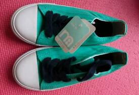 Rrp £11 size 10 new canvas summer sandshoes mothercare bnwt