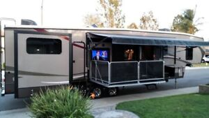 REDUCED $1000! FIFTH WHEEL & LEASED LOT & FREE WINTER STORAGE!