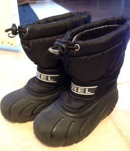 Sorel boys/girls winter boots size 12