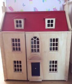 Pintoy Wooden Dolls' House and Furniture