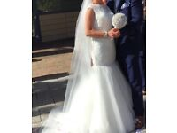 Catherine Parry fishtail wedding dress size 10. Beautiful elegant dress with lace detail