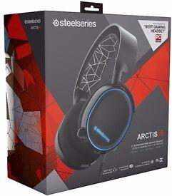 *BRAND NEW* SteelSeries Arctis 5 RGB 7.1 Surround Gaming Headset - Black