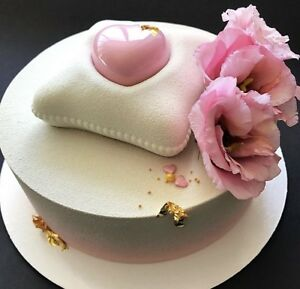 Custom made Mousse cakes and desserts
