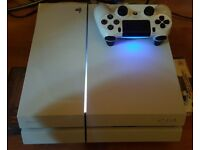 PS4 Glacier White 500gb 1 controller 4x games